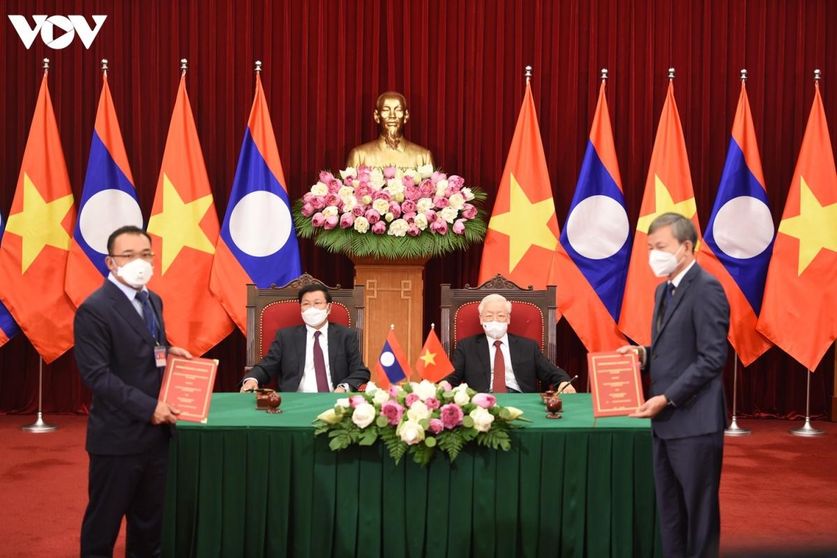 Chuyến thăm hữu nghị chính thức Việt Nam lần này của Tổng Bí thư, Chủ tịch nước Lào Thongloun Sisoulith có ý nghĩa rất đặc biệt, tiếp tục khẳng định tình đoàn kết, gắn bó, tin cậy, thủy chung, trong sáng, trước sau như một của Đảng, Nhà nước và nhân dân Việt Nam đối với Đảng, Nhà nước và nhân dân Lào. Đây còn là dịp để hai bên tiếp tục trao đổi kinh nghiệm trong phát triển, thúc đẩy thực hiện có hiệu quả các thỏa thuận cấp cao hai Đảng, hai nước.