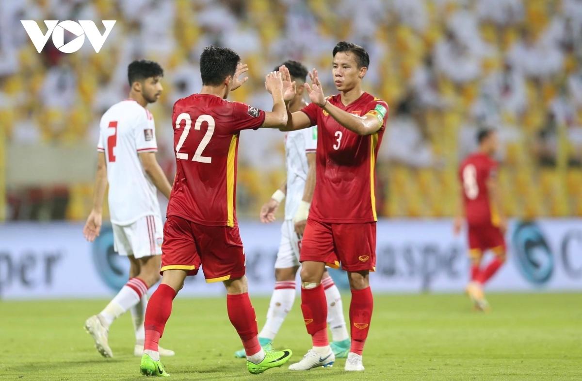 ĐT Việt Nam đã chiến đấu đến cùng và ghi 2 bàn vào lưới UAE. (Ảnh: CTV Yểu Mai)