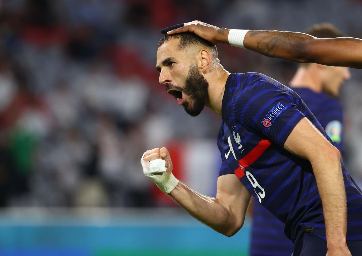 Tuy nhiên, sau màn ăn mừng cuồng nhiệt lại là phút ngỡ ngàng khi trọng tài từ chối bàn thắng vì lỗi việt vị.