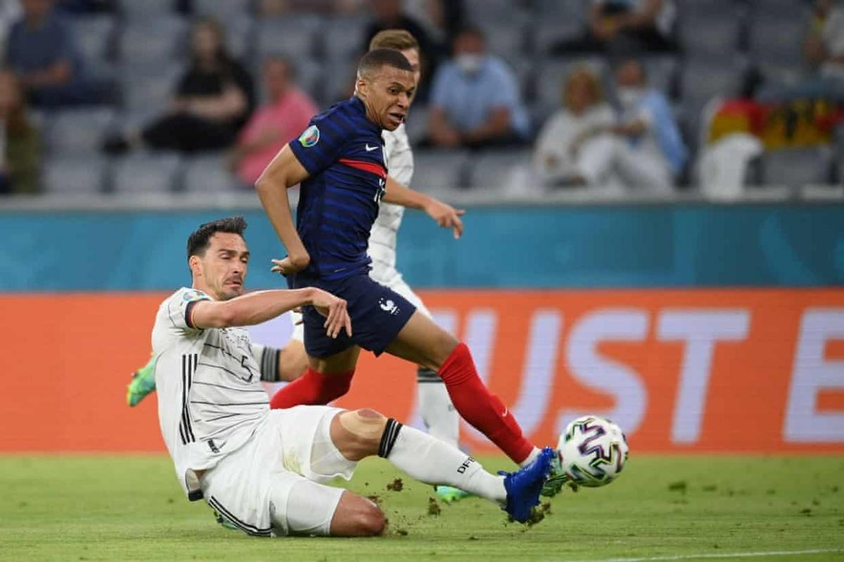 Đức có trận đấu lép vế trước Pháp dù được chơi trên sân nhà Allianz Arena.