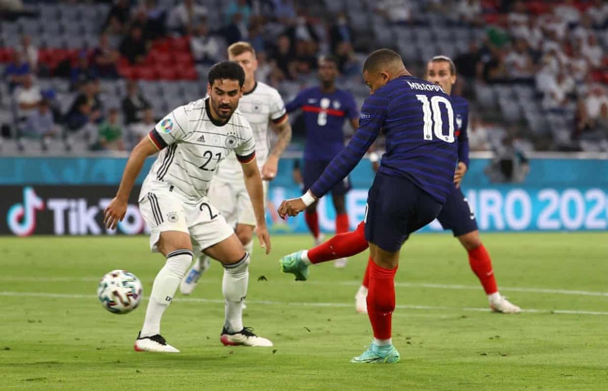 Mbappe sửa lòng đẳng cấp tung lưới Đức trong hiệp 2...