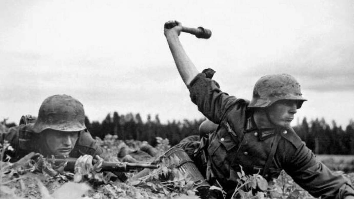 Ngày 22/6/1941, Đức quốc xã đã mở màn chiến dịch Barbarossa, bất ngờ tấn công xâm lược Liên Xô. Ảnh: Britannica