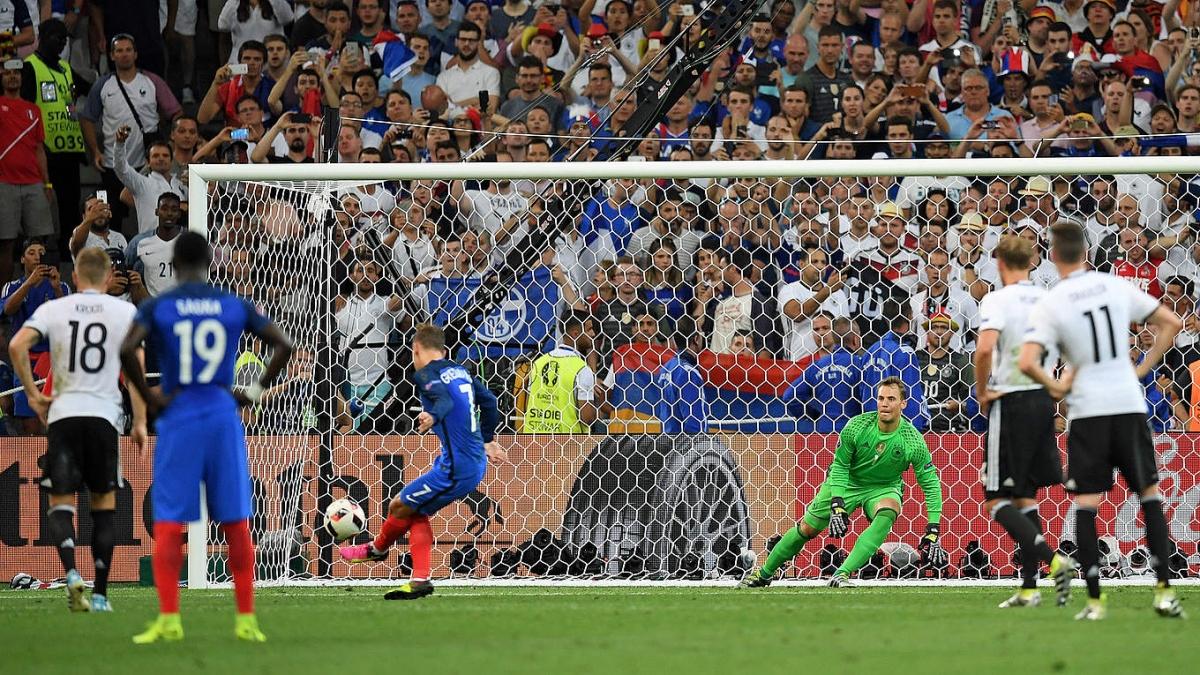 Griezmann lập cú đúp giúp Pháp thắng Đức 2-0 ở bán kết EURO 2016. (Ảnh: Getty)