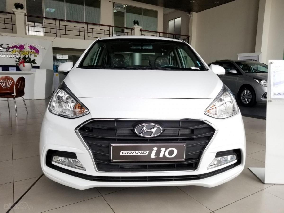 Hyundai Grand i10 đang bị VinFast Fadil nới rộng khoảng cách về doanh số.