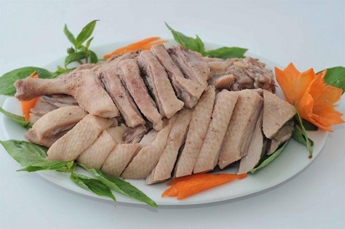 Ăn gì để giết sâu bọ trong ngày 5/5? Nhiều gia đình luôn có món thịt vịt.