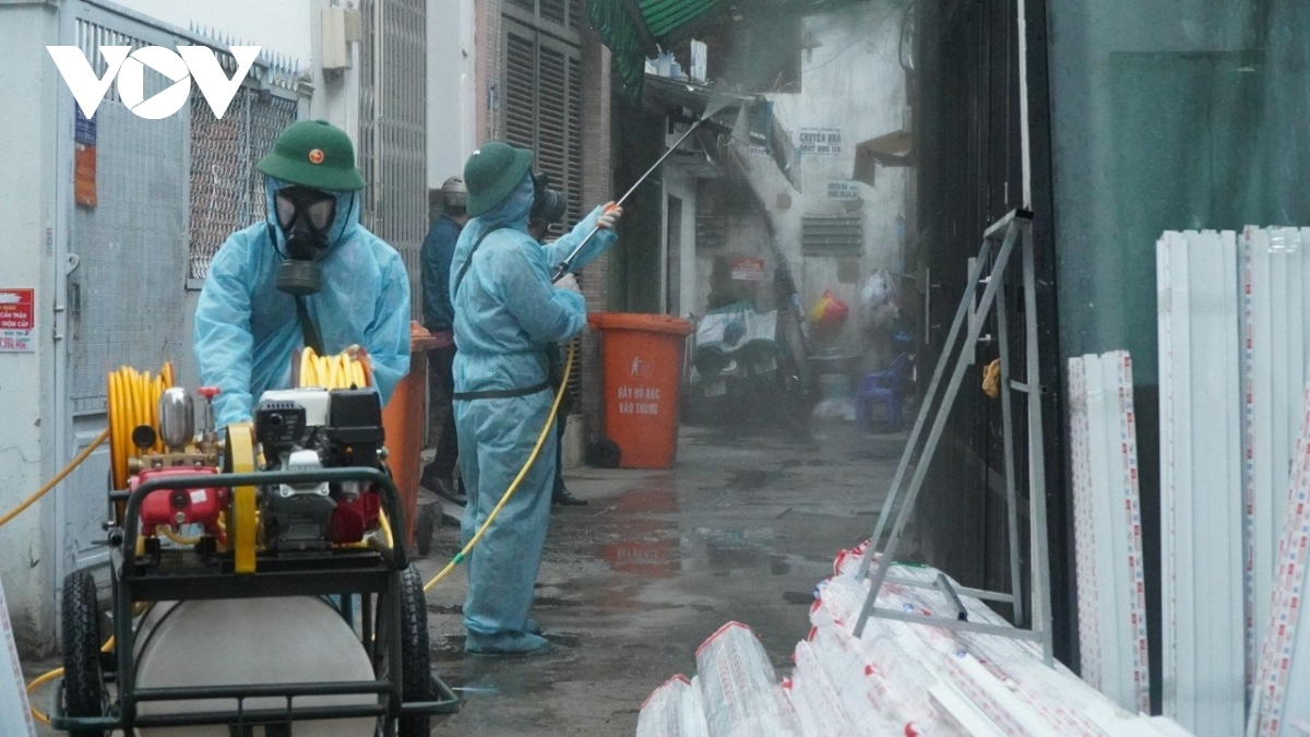 Disinfection work starts in alley 415 on Nguyen Van Cong street in Go Vap district, the location where theRevival Ekklesia Mission is based.