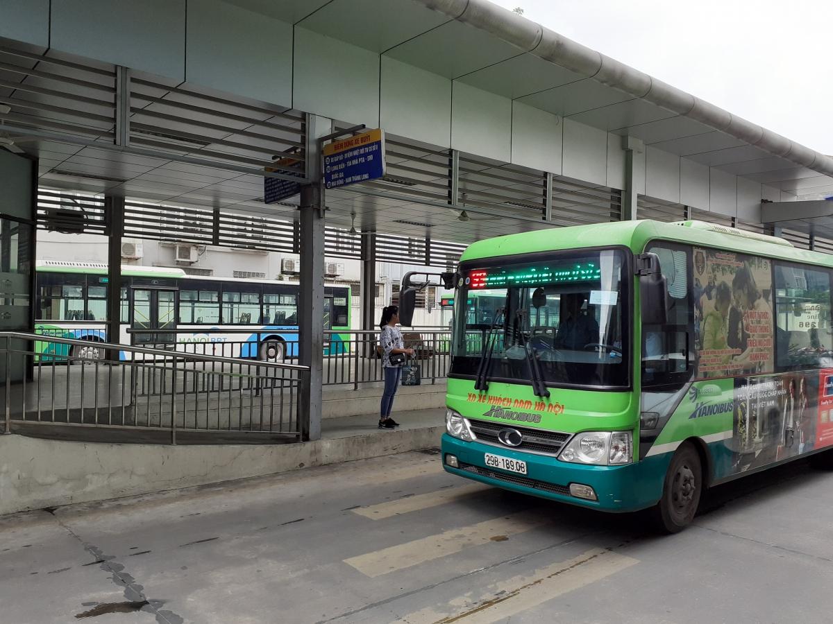 Lắp camera trên xe buýt sẽ phục tốt hơn cho VOV giao thông và CSGT trong việc quản lý.