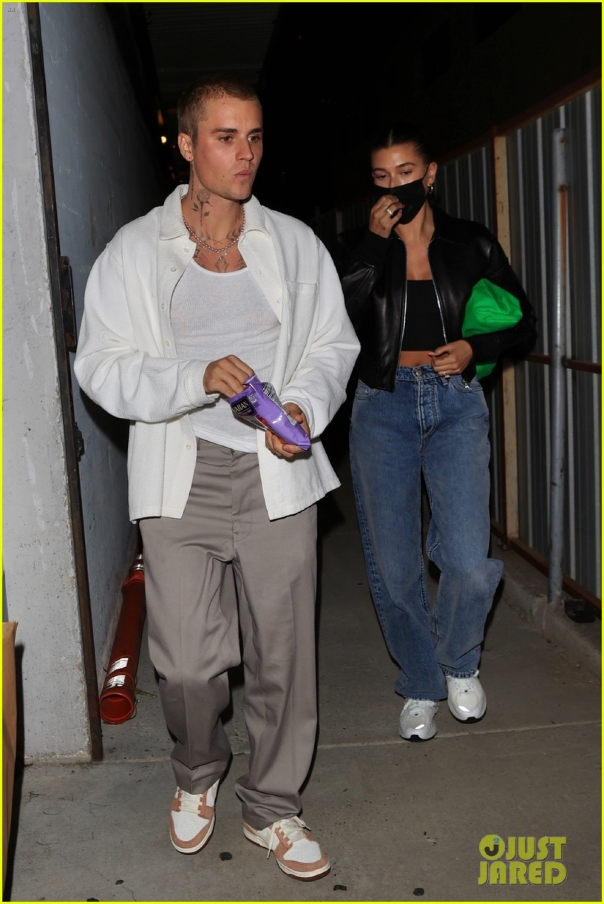 Người mẫu 24 tuổi cho biết muốn sống trọn đời mãi mãi bên Justin Bieber và cô luôn sẵn sàng nỗ lực vì mong muốn cả hai sẽ cùng nhau già đi.