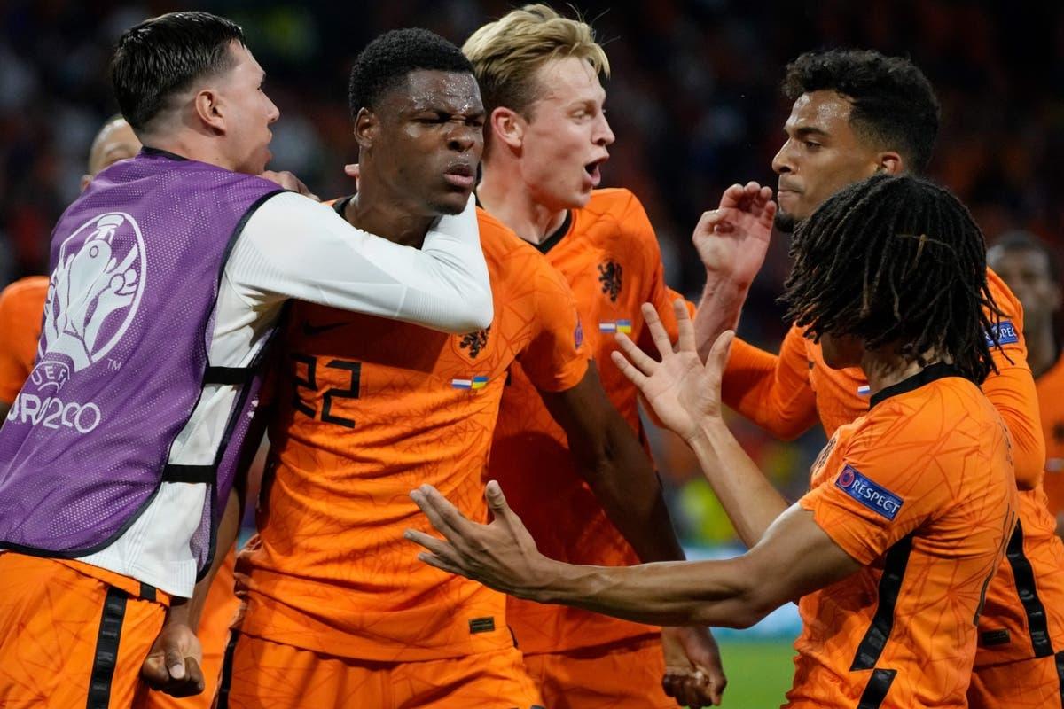 Denzel Dumfries tỏa sáng giúp Hà Lan thắng kịch tính Ukraine. (Ảnh: Getty)