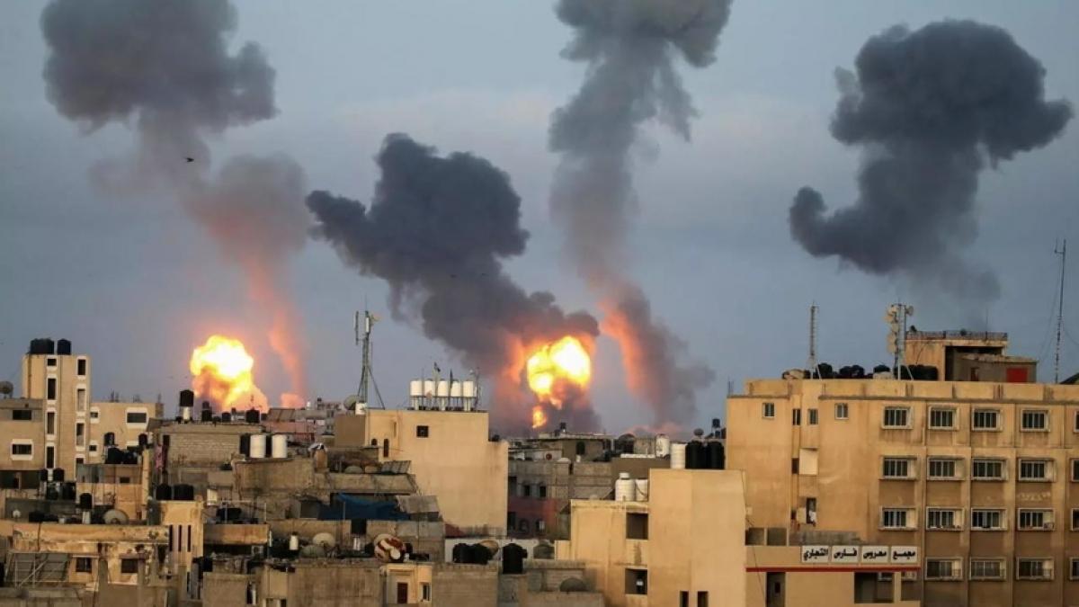 Một vụ không kích của Israel vào Dải Gaza. Ảnh: Reuters