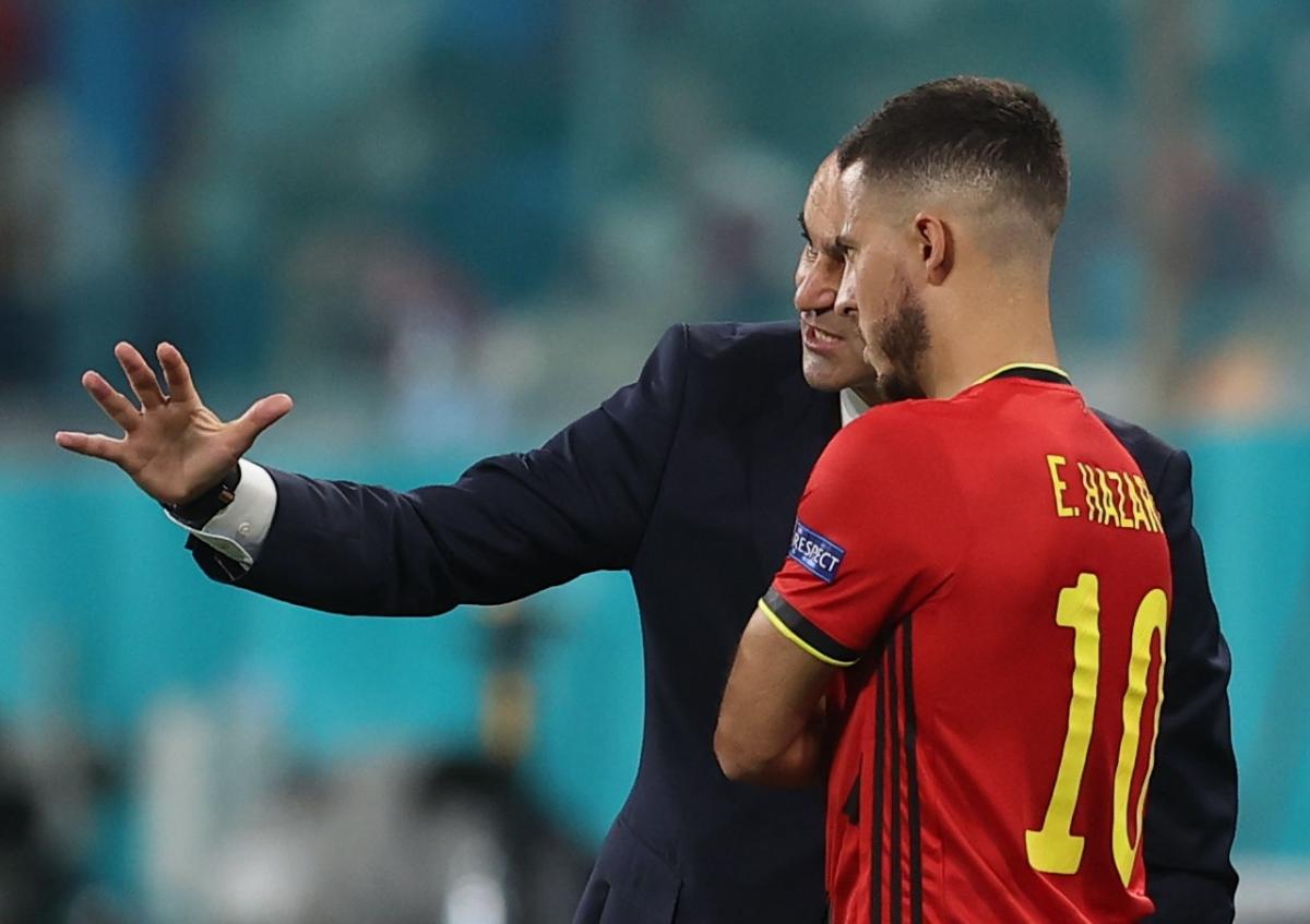 Những phút cuối, HLV Martinez của ĐT Bỉ trao cơ hội cho Eden Hazard, cầu thủ mới trở lại sau chấn thương.