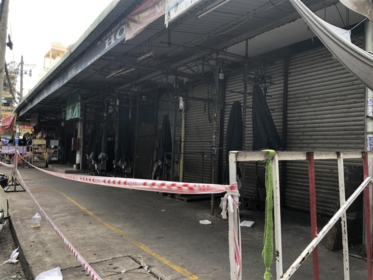 Makeshift markets in Go Vap district are shut down.
