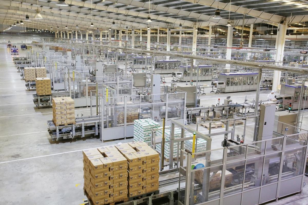 Nhà máy sữa Việt Nam ứng dụng công nghệ 4.0, có công suất lớn, hiện sản xuất hơn 800 triệu lít sữa/năm