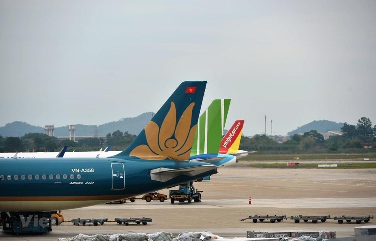 Hiện tại, các hãng hàng không Việt đang lún sâu vào khủng hoảng (có nguy cơ phá sản) do COVID - 19 đã 4 lần bùng phát trở lại.