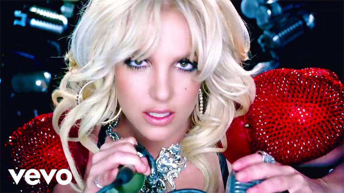 """Ca khúc """"Hold It Against Me"""" đánh dấu sự trở lại mạnh mẽ của """"Công chúa nhạc Pop"""" sau 2 năm kể từ sự thành công của ca khúc """"3"""". Ca khúc đã leo thẳng lên vị trí số 1 của bảng xếp hạng Billboard""""s Hot 100 ngay trong tuần đầu phát hành."""