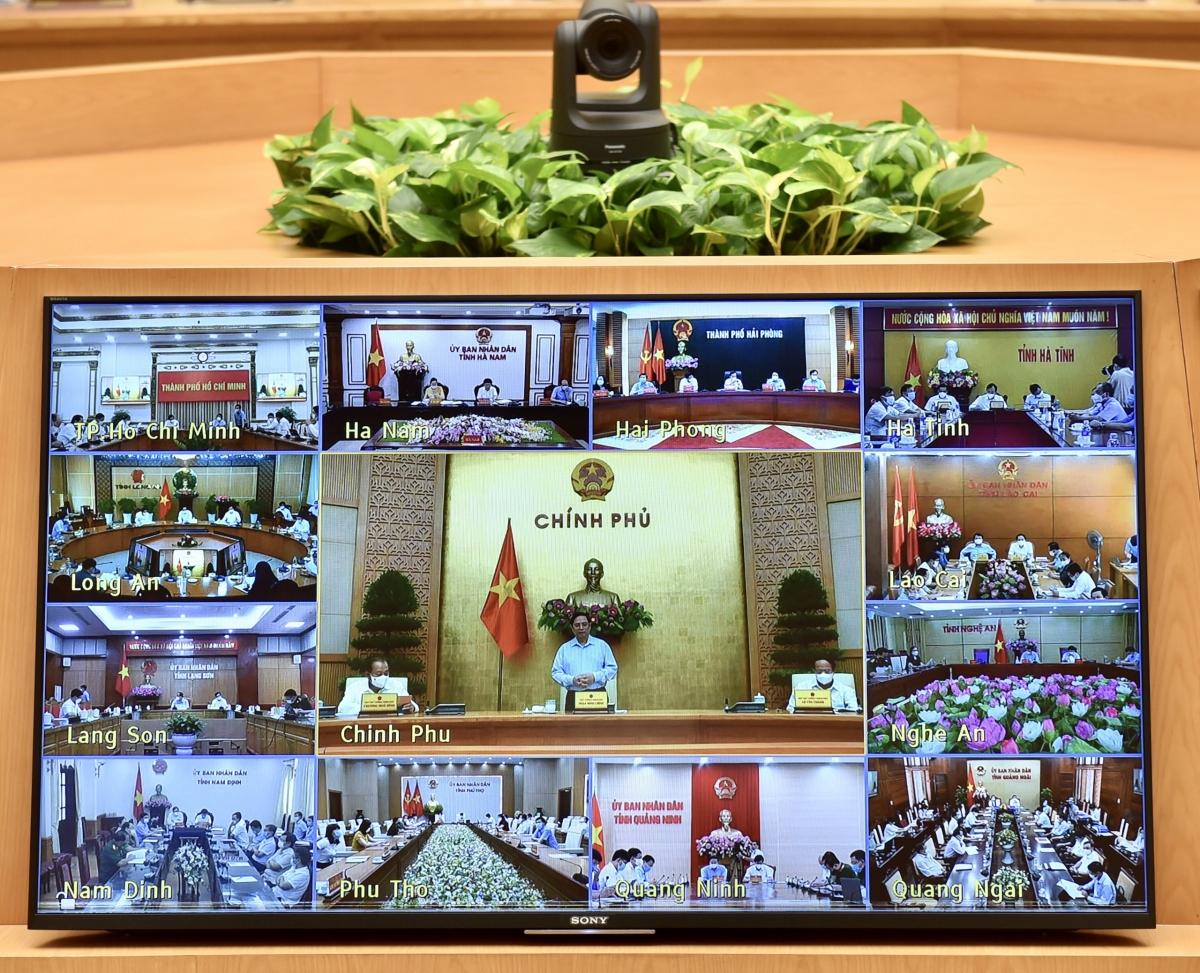 Thủ tướng Phạm Minh Chính đề nghị cần xây dựng cụ thể chiến dịch tiêm vaccine ở tất cả các tỉnh thành và các bộ ngành.