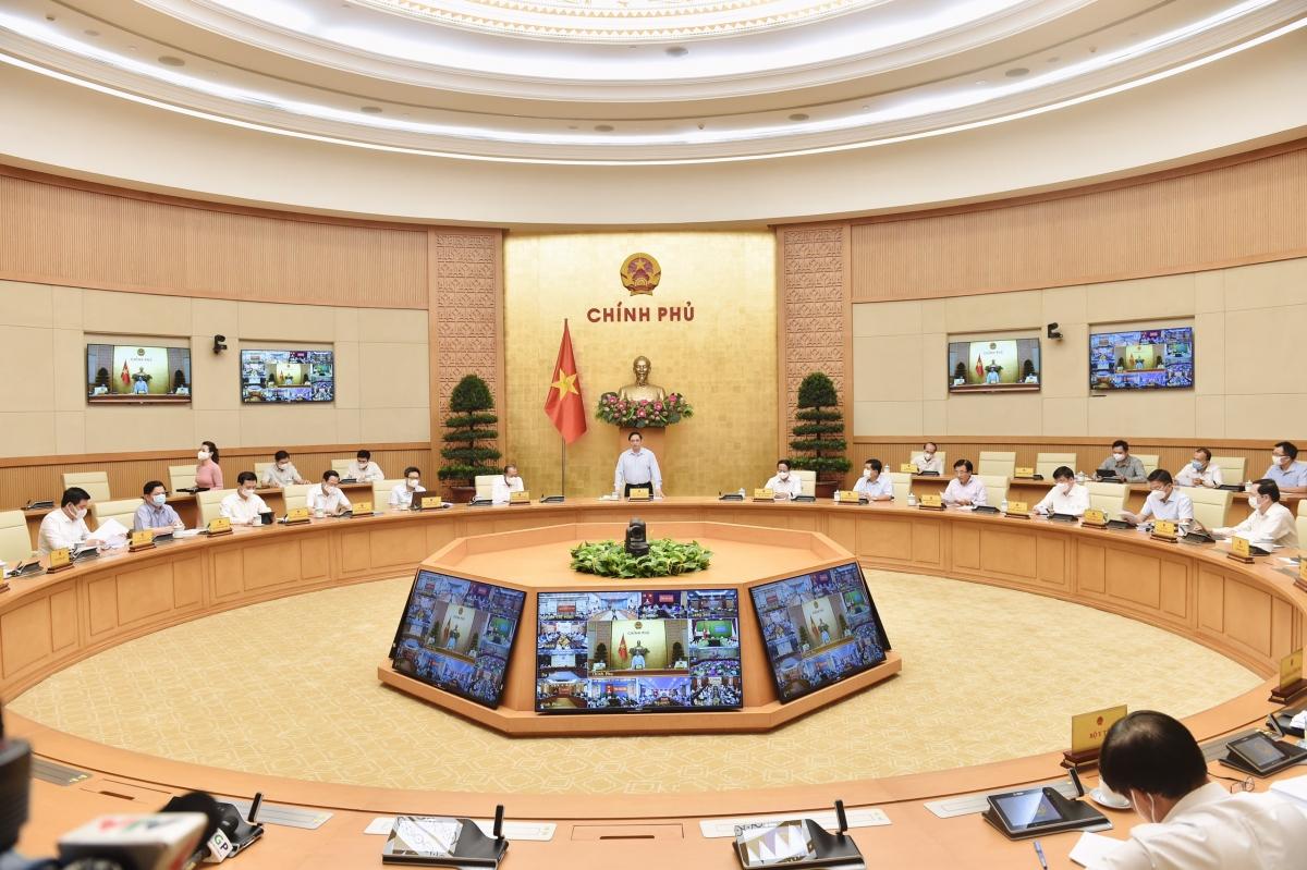 Thủ tướng Chính phủ Phạm Minh Chính khẳng định quan điểm tư tưởng chỉ đạo chống dịch như chống giặc, lấy người dân là chủ thể trung tâm, huy động cả hệ thống chính trị.