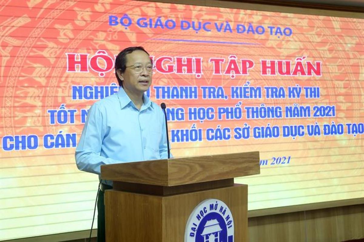Thứ trưởng Phạm Ngọc Thưởng phát biểu chỉ đạo tại hội nghị.