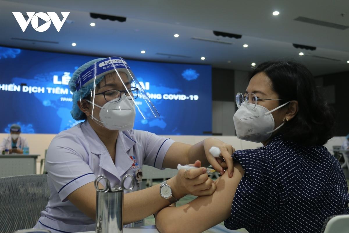 TP.HCM khởi động chiến dịch tiêm chủng vaccine COVID-19 lớn nhất lịch sử.