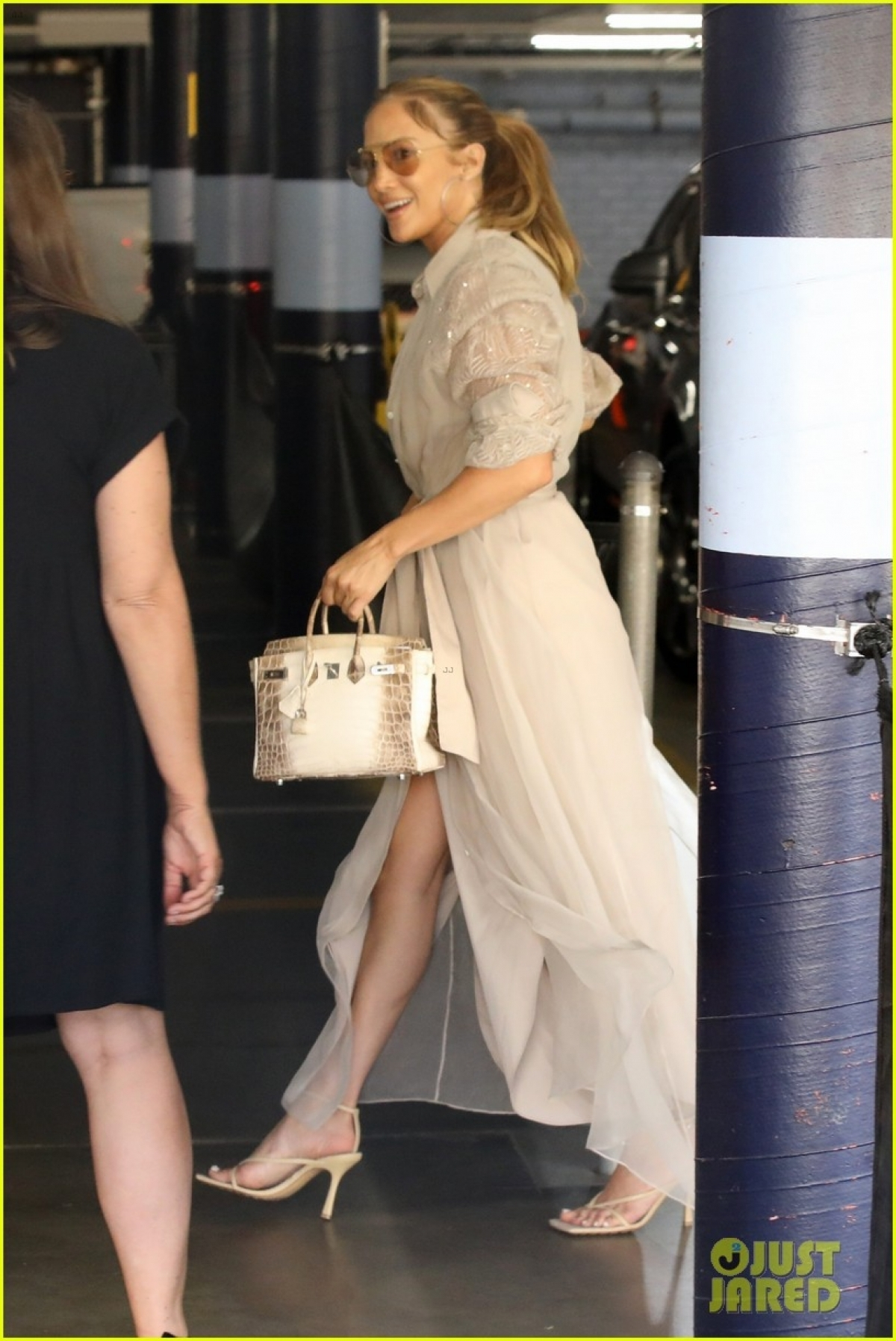 """Jennifer Lopez và Ben Affleck gặp nhau trên phim trường """"Gigli"""", sau đó hẹn hò và đính hôn vào cuối năm 2002."""