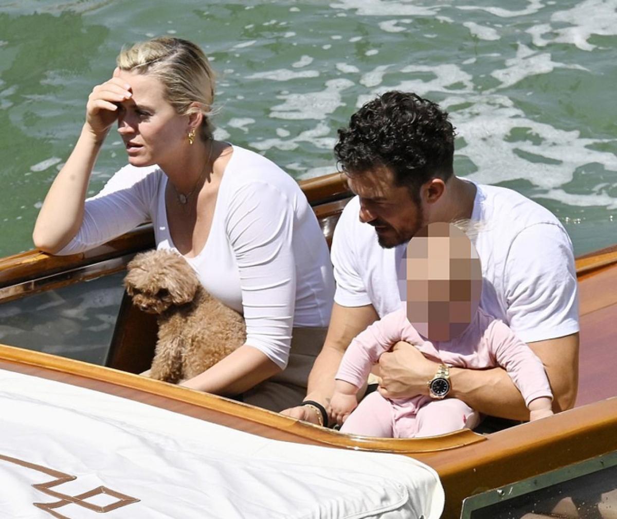Đây là chuyến du lịch đầu tiên của gia đình Katy Perry kể từ sau khi sinh con gái Daisy vào hè năm ngoái.