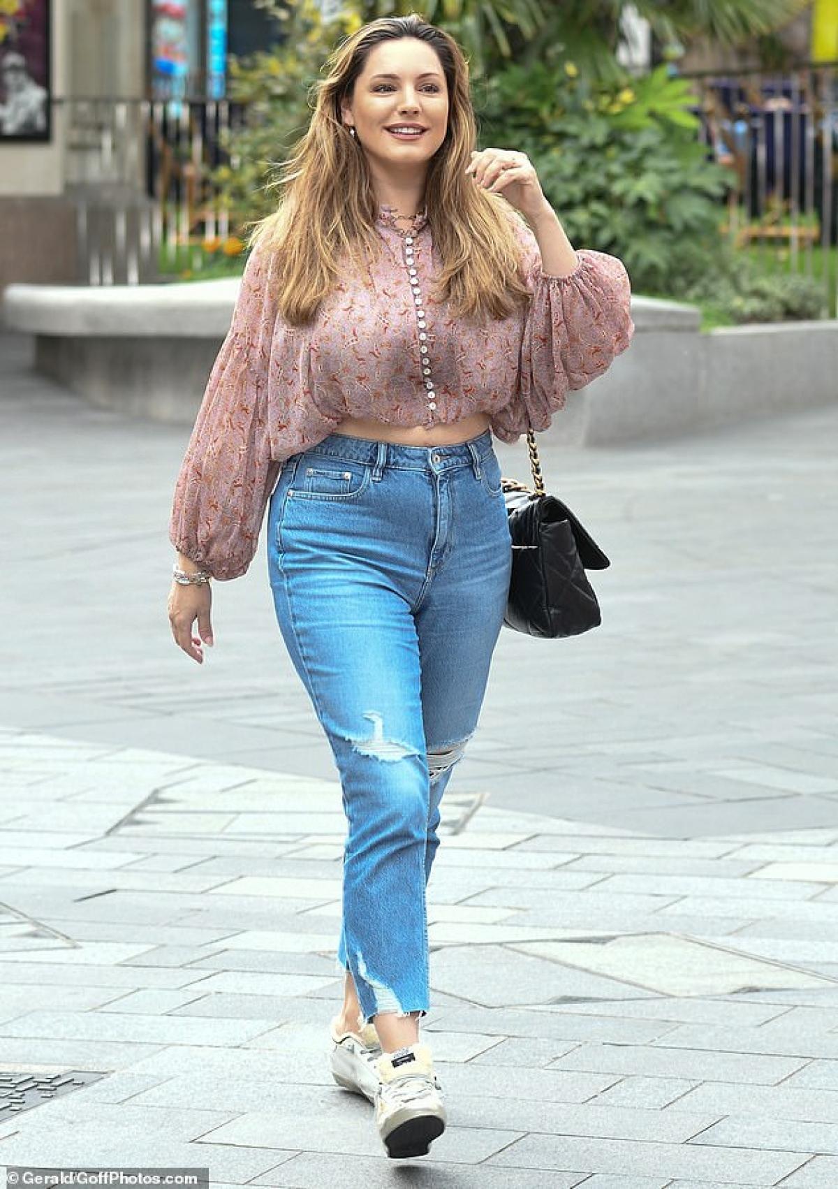 Siêu mẫu luôn khẳng định việc tăng cân là hoàn toàn bình thường và cô vẫn thấy tự tin.