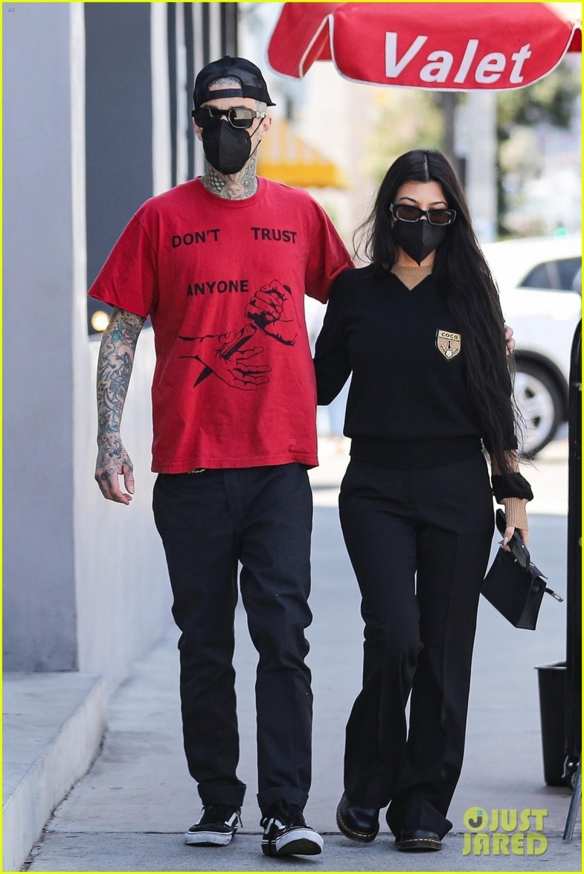 Thời gian gần đây, Kourtney Kardashian và Travis Barker công khai chuyện yêu đương.