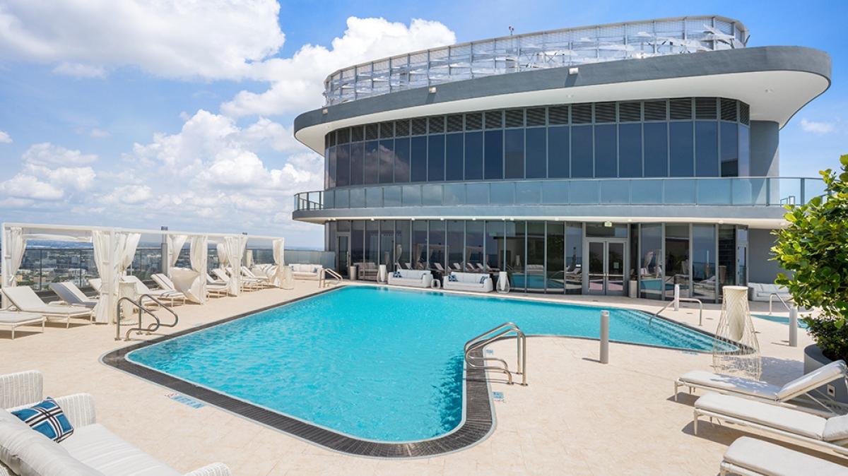 Căn penthouse có giá 9,3 tỷ USD với diện tích rộng khoảng 430m2.