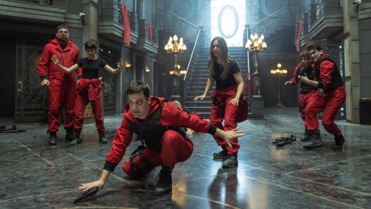 """Netflix công bố những hình ảnh đầu tiên của mùa 5 siêu phẩm truyền hình """"Money Heist""""."""