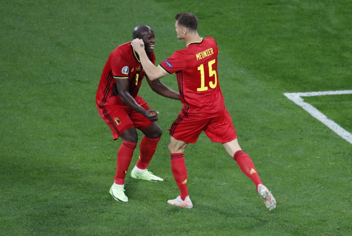 Dù vậy, đến phút 33,tỷ số được nâng lên 2-0 cho ĐT Bỉ với bàn thắng dễ dàng trong tư thế trống trải của Meunier.