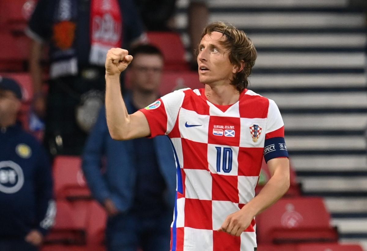 Modric thể hiện đẳng cấp với 1 bàn thắng và 1 pha kiến tạo. (Ảnh: Reuters).