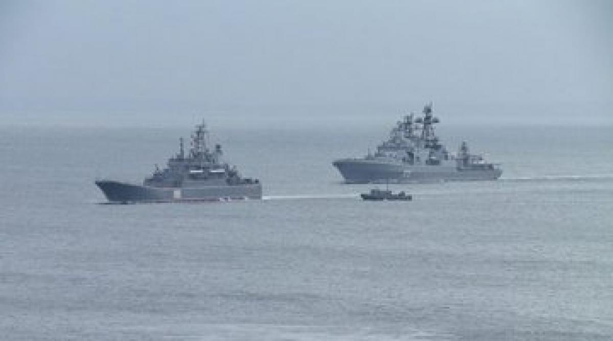 Hải quân Nga tập trận. Ảnh Vestnia.