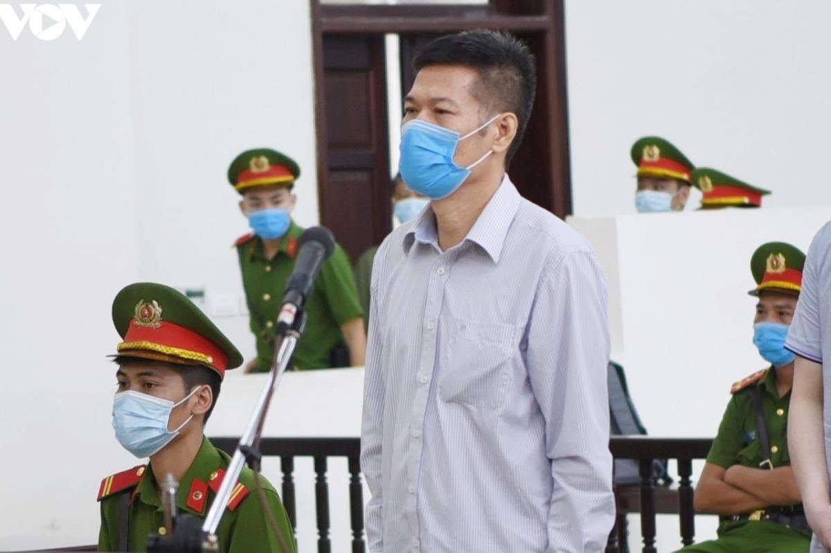 Bị cáo Nguyễn Nhật Cảm, cựu Giám đốc CDC Hà Nội. (Ảnh: Trọng Phú)