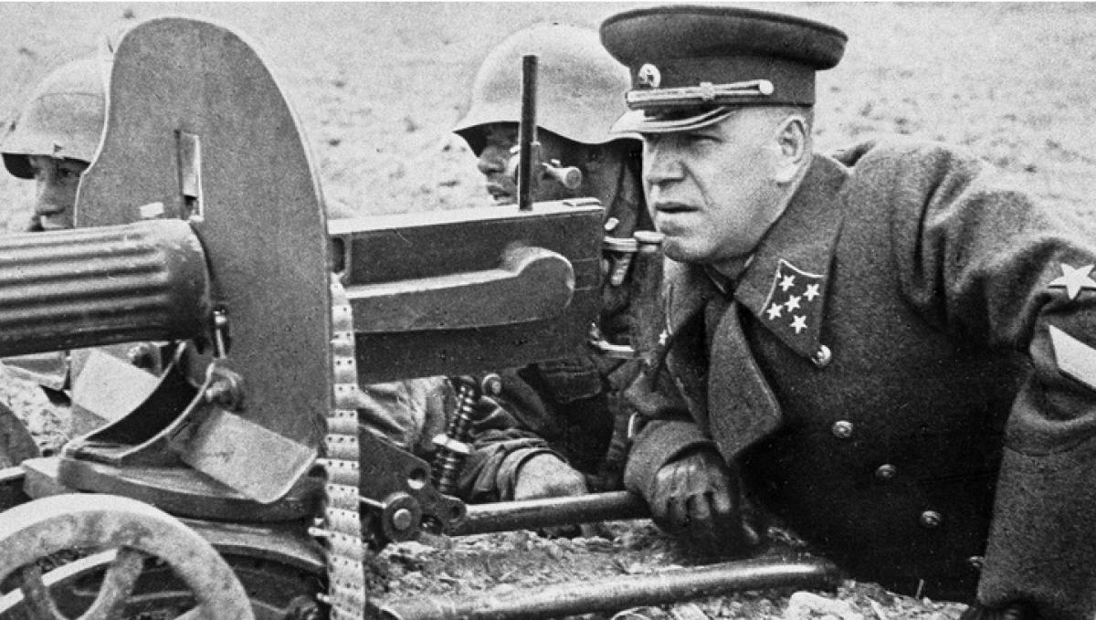 Nguyên soái Liên Xô Zhukov trên chiến trường Thế chiến II. Ảnh: Sputnik.