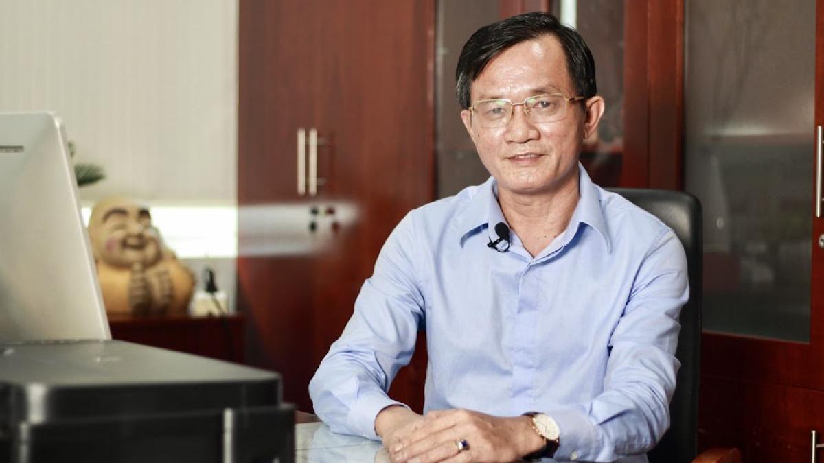 Nhà báo Nguyễn Đức Hiển