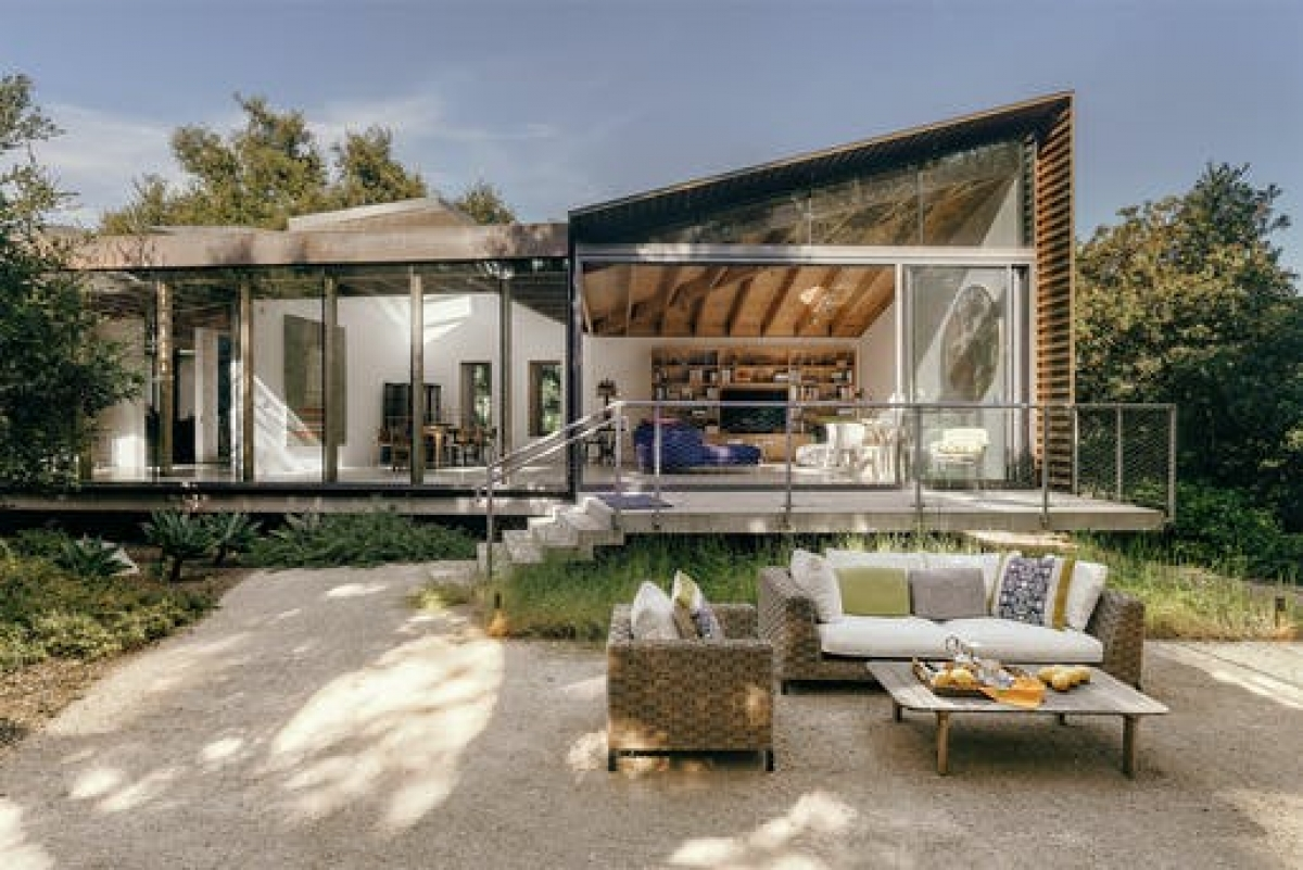 Nhánh nhà ở Montecito. Ảnh: David Hartwell
