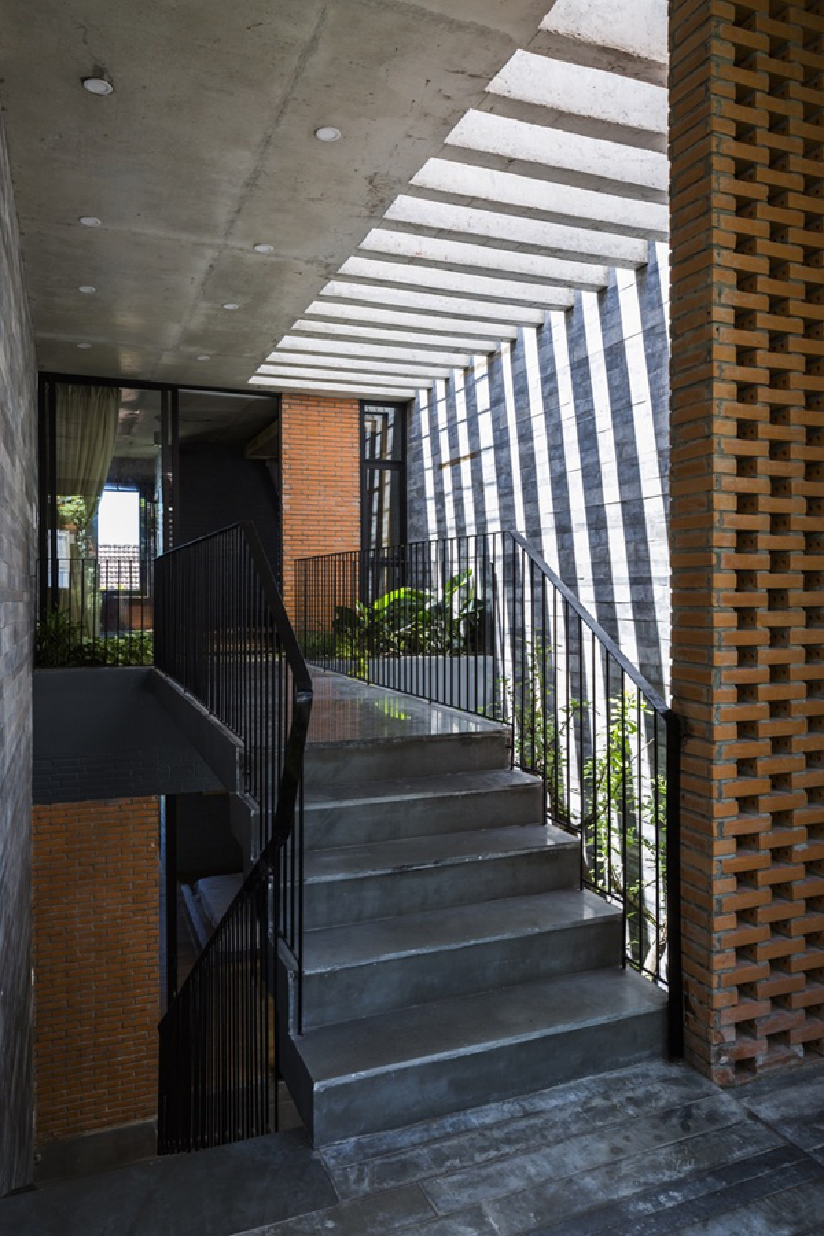 """Ánh sáng là một loại """"vật liệu"""" làm nên sự thú vị của không gian nội thất."""