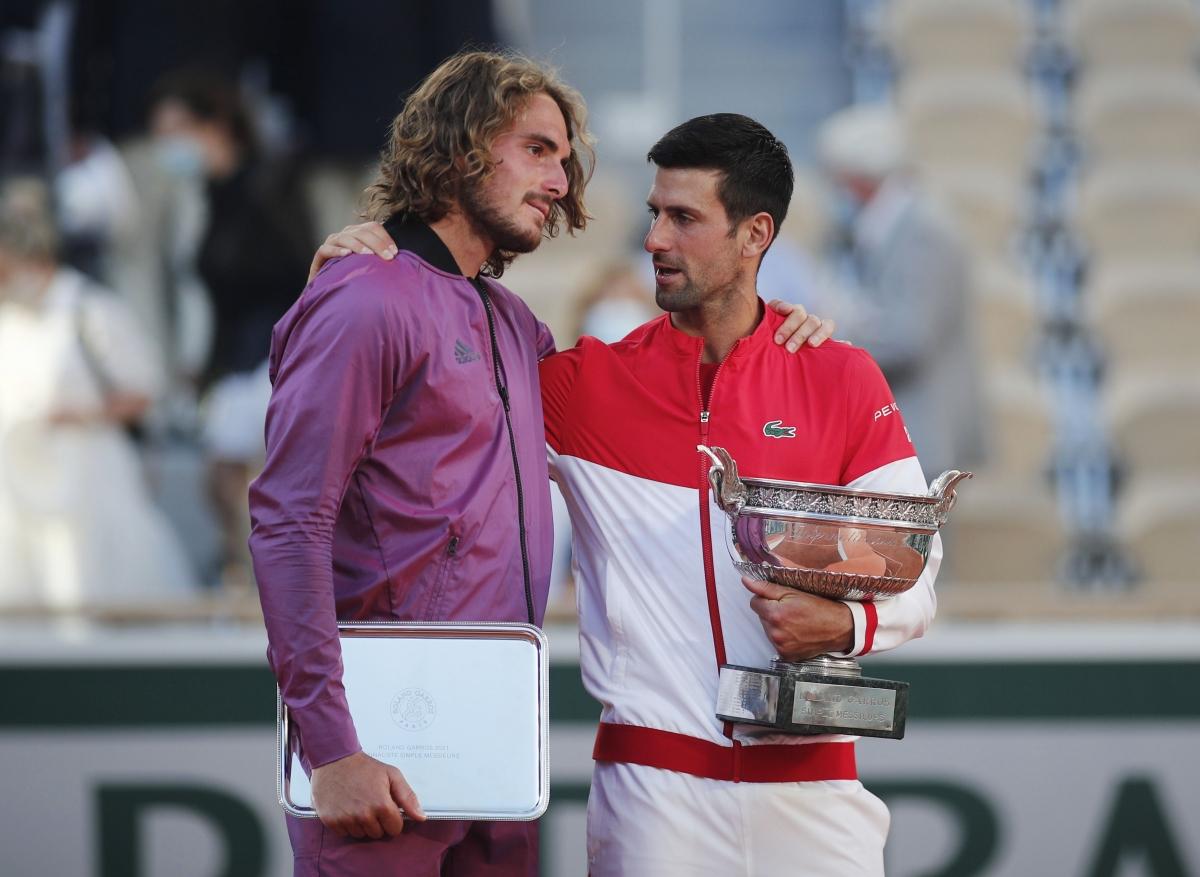 Stefanos Tsitsipas chơi hay nhưng chưa đủ để đánh bại Djokovic trong trận chung kết Grand Slam. (Ảnh: Reuters).