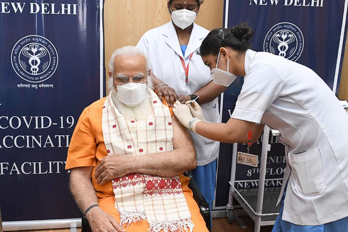 Tiêm vaccine Covid-19 tại Ấn Độ. Ảnh: The Japan Times