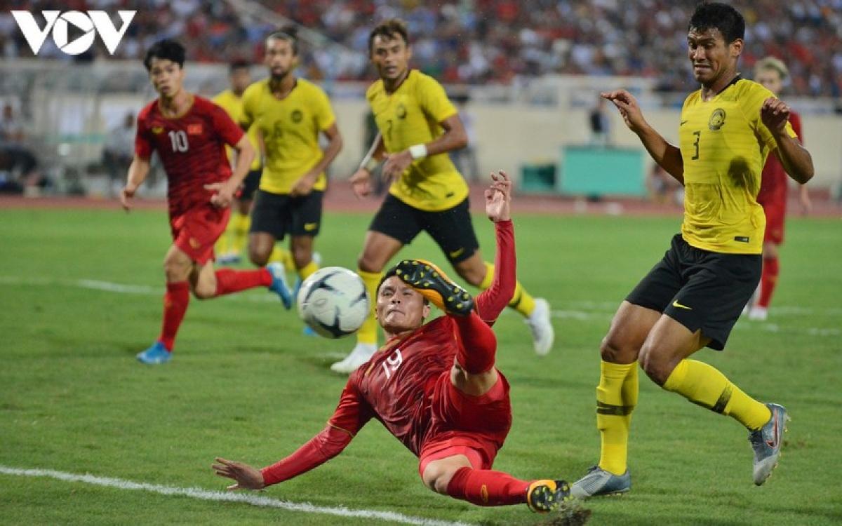 Quang Hải ghi bàn giúp ĐT Việt Nam thắng Malaysia 1-0 trên sân Mỹ Đình hồi tháng 10 năm 2019 nhưng bỏ lỡ trận đấu đêm nay vì án treo giò.
