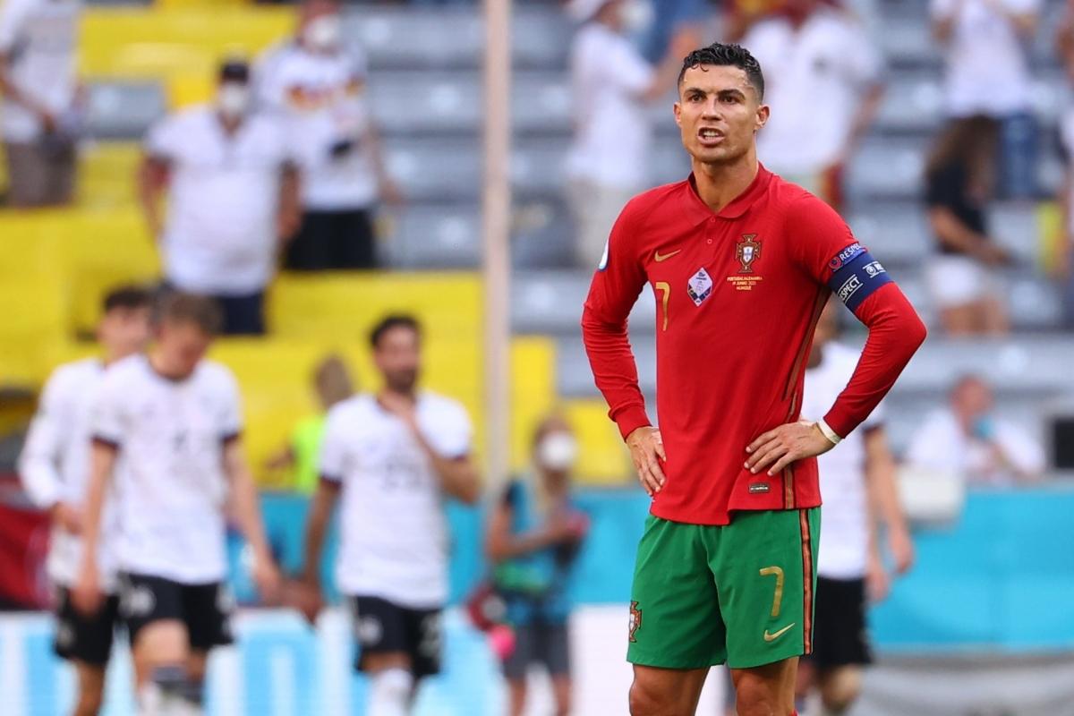 Cristiano Ronaldo tái hiện khoảnh khắc thất vọng trước ĐT Đức ở EURO 2021.