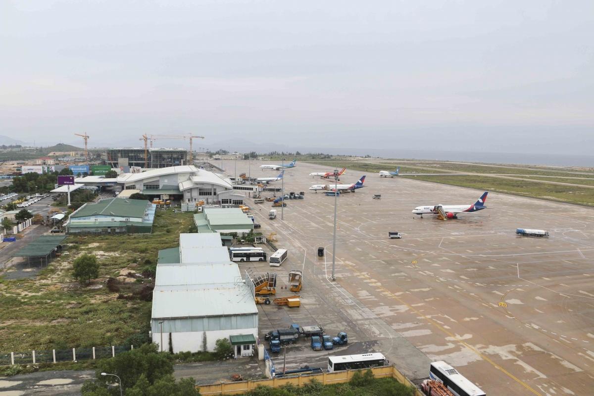 """Bộ Giao thông """"khước từ"""" đề nghị xây dựng sân bay của 11 địa phương."""