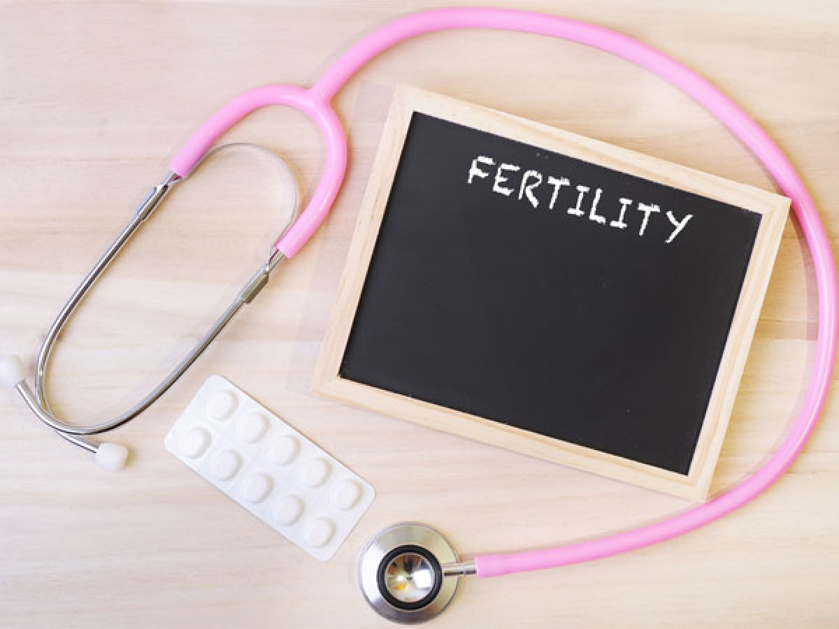 Các vấn đề sức khỏe sinh sản: Hút thuốc lá cũng có tác động tiêu cực đến sức khoe sinh sản, gây vô sinh, sinh non, sảy thai, thai chết lưu hoặc hội chứng đột tử ở trẻ sơ sinh (SIDS). Nam giới hút thuốc lá thường xuyên có nguy cơ cao mắc chứng rối loạn cương dương.