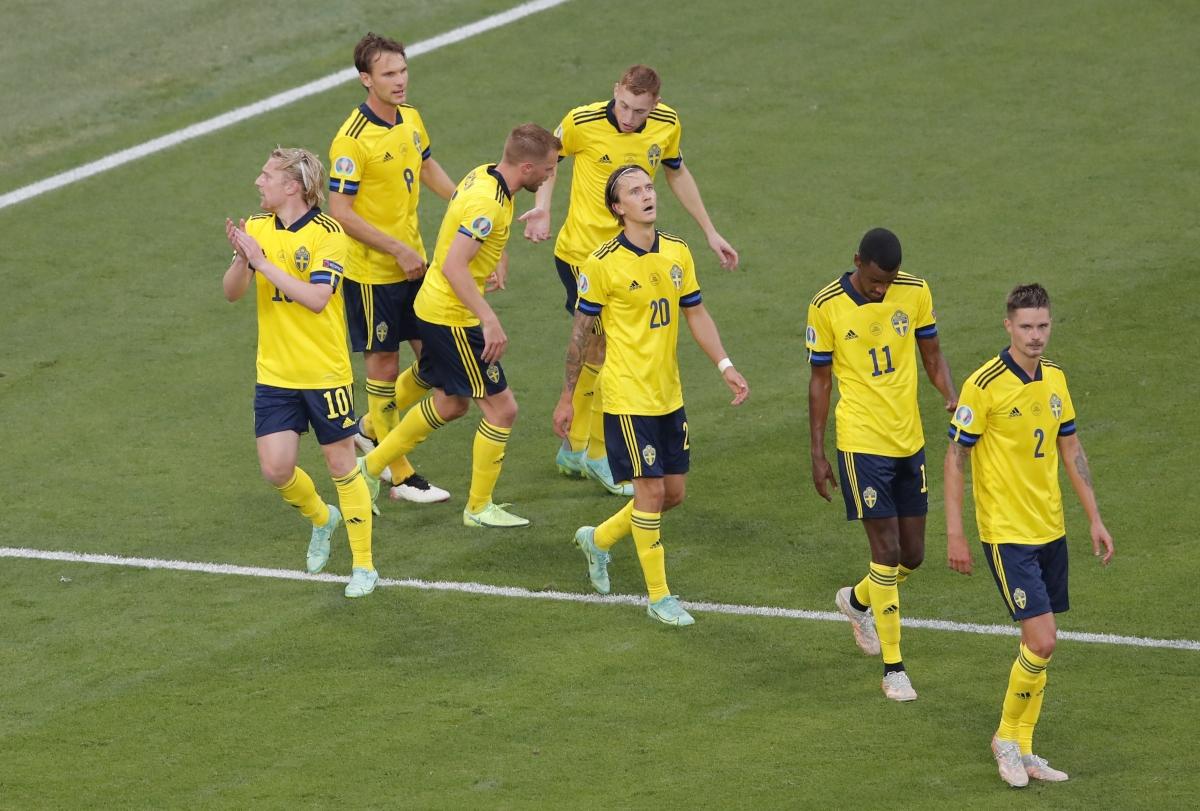 Thụy Điển nâng tỷ số lên 2-0 ở phút 59.