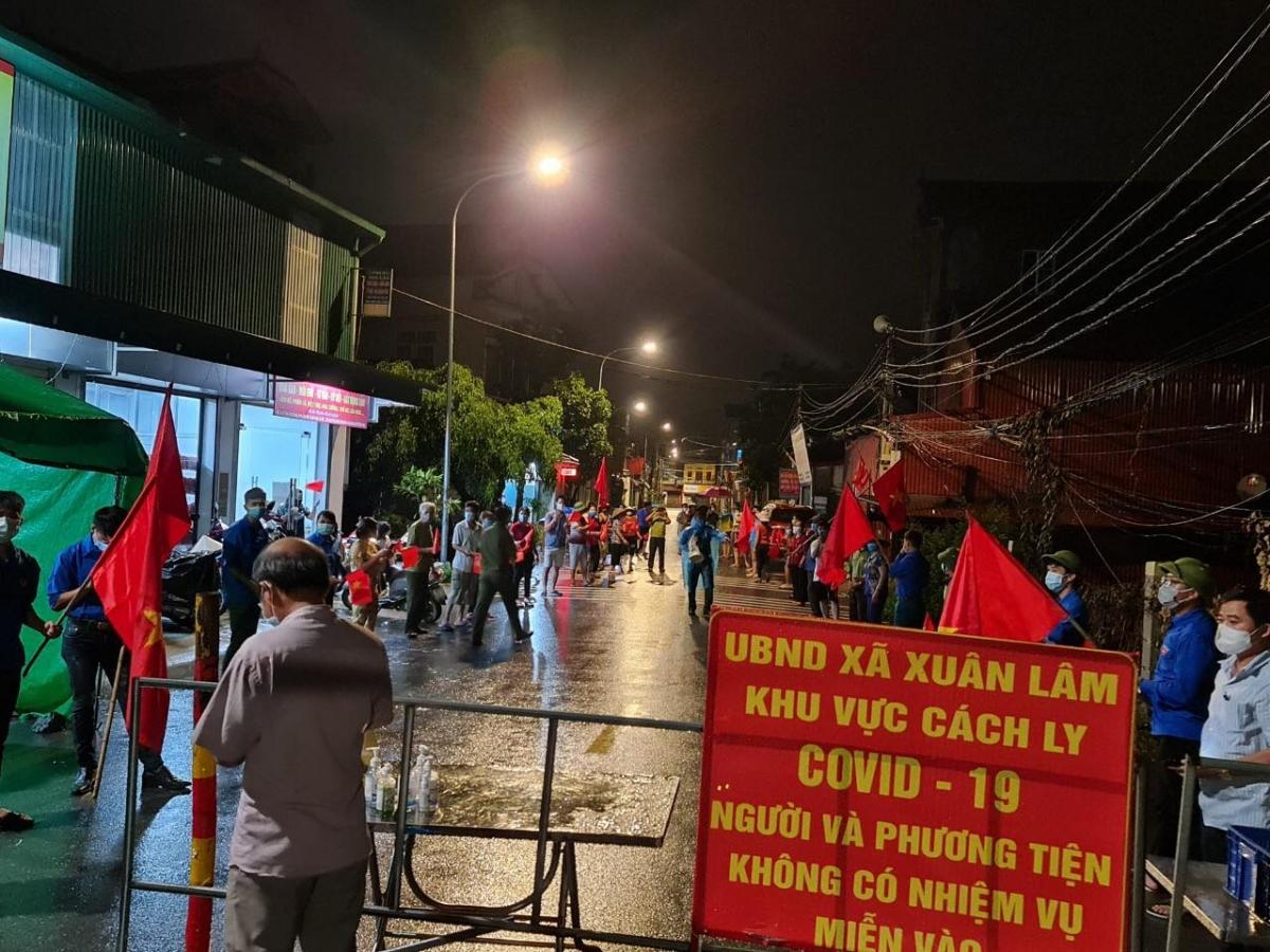 Người dân huyện Thuận Thành vui mừng khi sắp hết hạn giãn cách xã hội.