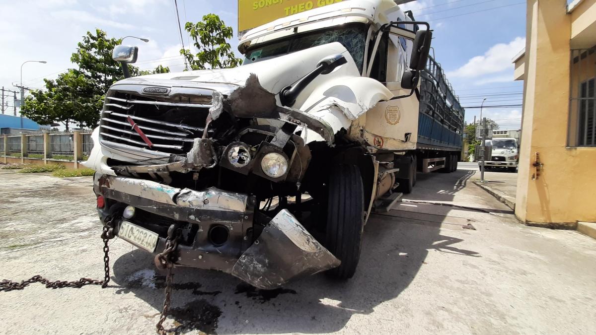 Xe đầu kéo gây tai nạn do tài xế Đức điều khiển