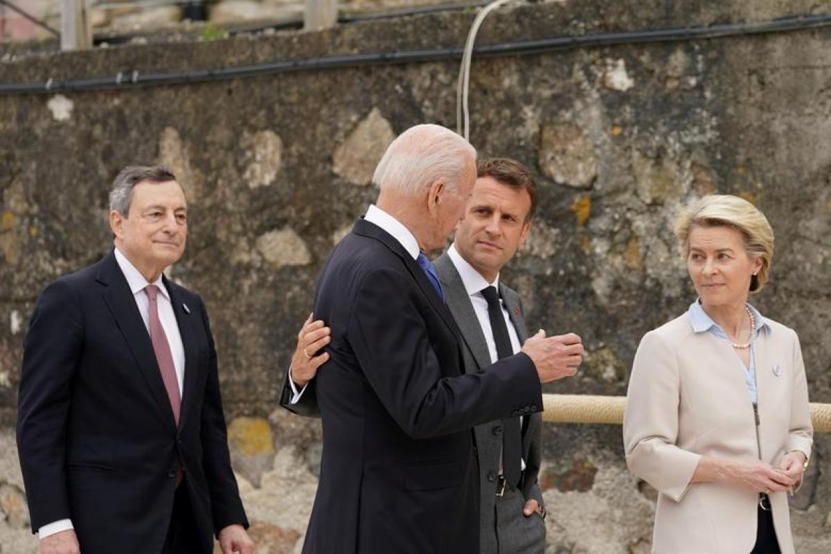 Tổng thống Biden cũng đã trò chuyện với Tổng thống Pháp Emmanuel Macron vào ngày 11/6, bên lề Hội nghị thượng đỉnh G7. Hai nhà lãnh đạo đã thảo luận về các vấn đề như đại dịch Covid-19 và chống khủng bố ở khu vực Sahel (châu Phi). Ảnh: Reuters