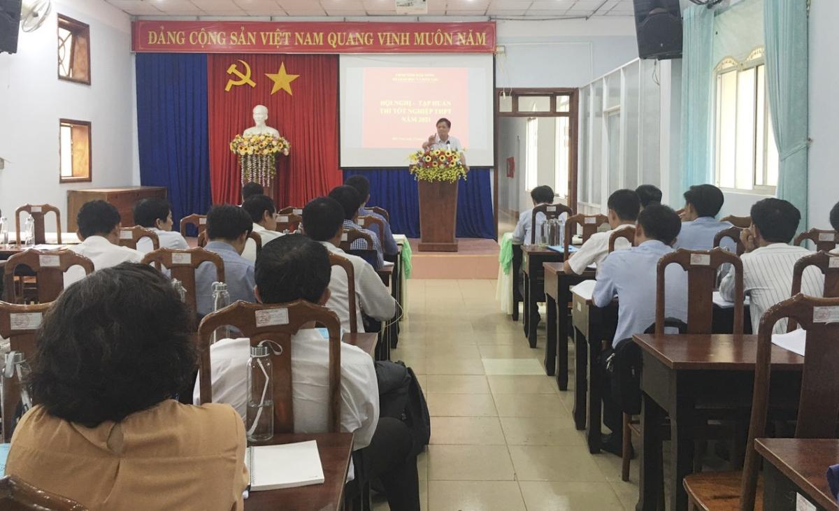 Sở GD-ĐT tỉnh Đắk Nông tổ chức tập huấn cho kỳ thi THPT 2021.