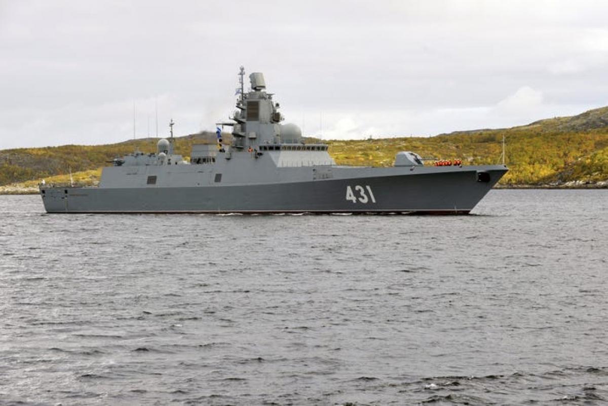 Tàu khu trục Admiral Kasatonov trong Dự án 22350 của Hải quân Nga đến Severomorsk từ Biển Baltic ngày 15/9/2020. Ảnh: Getty