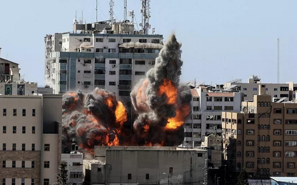 Thành phố Gaza bị Israel không kích. Ảnh: AP.